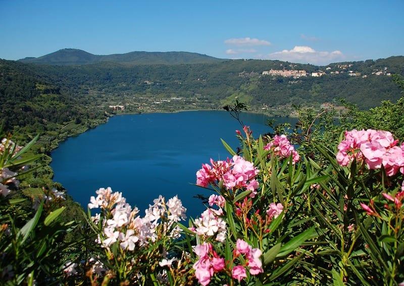 Da velletri a nemi in mountain bike cittadino del mondo for Cabine spartiacque vista lago fontana